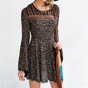 Urban Outfitters Ecote Sascha Bell Sleeve Dress 2